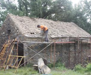 Bordas a rehabilitar en pueblo en el valle del Ara, cerca de Fiscal