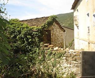 Casa tradicional a reformar de 195 m2 con terreno de 120 m2