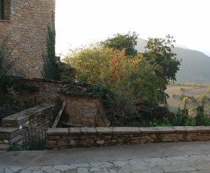 Bodega de 45 m2 con terreno en La Fueva