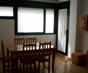 Amplia vivienda con garaje y trastero en Aínsa
