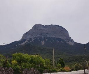Casa tradicional a rehabilitar bajo Peña Montañesa