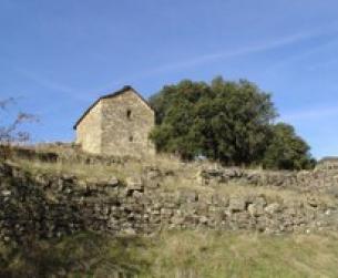Bordas de piedra y losa a rehabilitar en finca de 5.000 m2